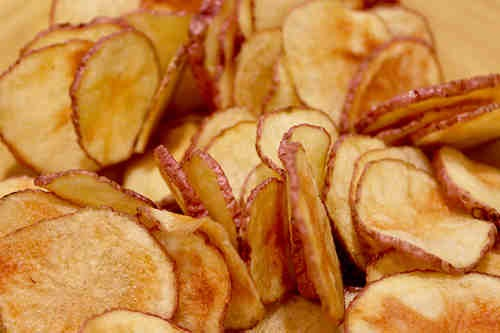 How To Make Potato Chips In Your Microwave - Crispy, Crunchy And Yummy!