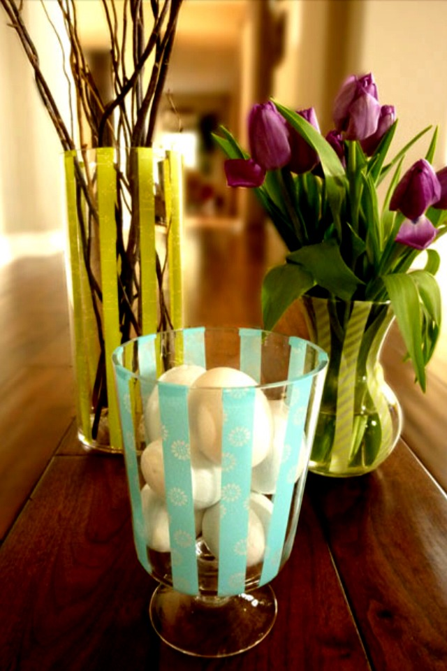 Decorate with empty wine bottles and unused vases trusper for What can you do with empty wine bottles
