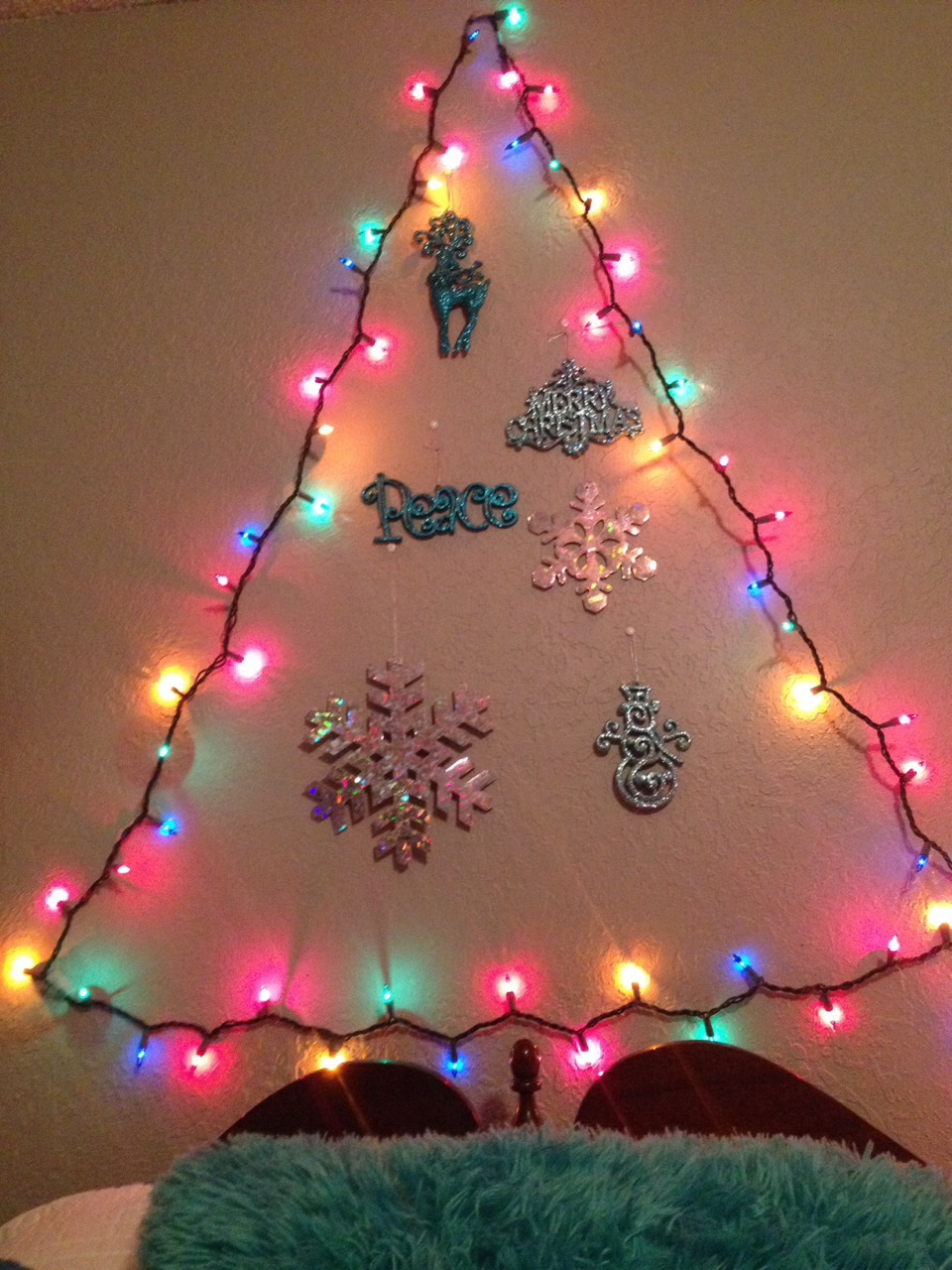 For A Cute Little Way To Dress Up Your Room For Christmas